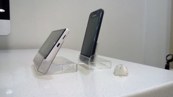 phone-dock-side