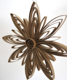 toilet-paper-roll-flower-wreath